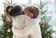 umarmen,frontal,Weihnachtsbaum,Tannenbaum,Mädchen,Weihnachtsbäume