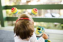 Europäer,Stirnband,bunt,Vordach,Kleidung,Ball Spielzeug,Mädchen,Baby