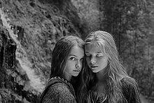 Jugendlicher,Europäer,Wald,Mädchen