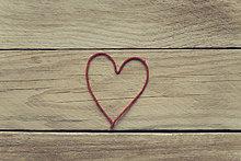 Holz,rot,Form,Formen,herzförmig,Herz