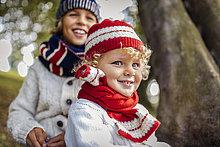 Portrait,blond,Mode,Junge - Person,Bruder,klein,Hintergrund,Herbst,Kleidung,stricken
