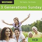 Drei Generationen - Grosseltern,Kinder, Enkel - verbringen einen sonnigen Tag im,mit,Gartenarbeit und mit,und Kuchen auf der