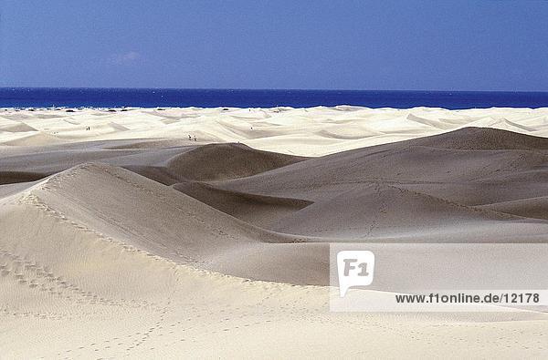 Weiße Sanddünen am Strand  Gran Canaria  Kanarische Inseln  Spanien