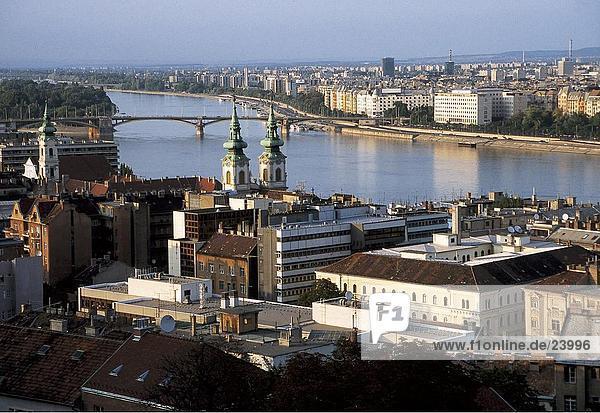 Budapest Hauptstadt hoch oben Flussufer Ufer Stadtansicht Stadtansichten Ansicht Flachwinkelansicht Donau Winkel Ungarn