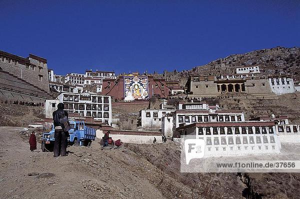 Gebäude auf dem Berg  Nepal