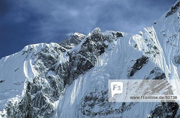 Schneebedeckte Berggipfel,  Lhotse,  Mt. Everest,  Himalaya,  Nepal