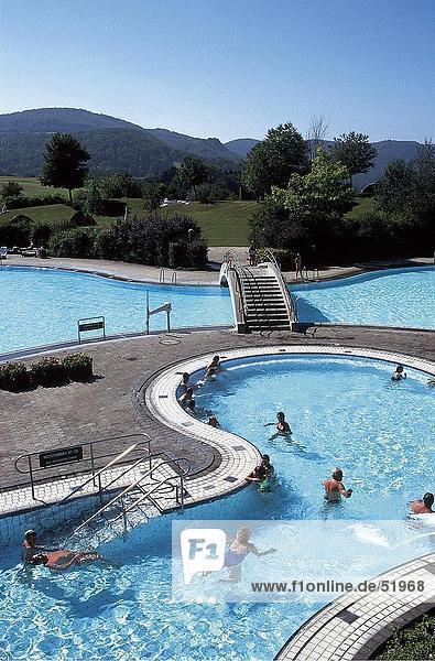 hoch oben Tourist Ansicht Flachwinkelansicht Schwimmbad Winkel Baden-Württemberg Deutschland