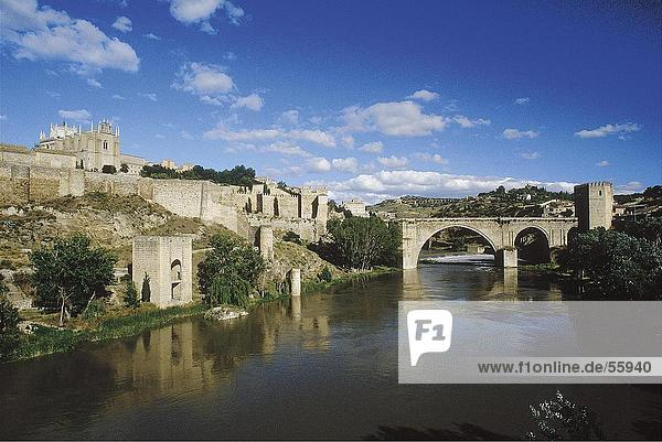 Brücke über den fluss tajo toledo spanien europa stock