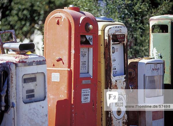 Seitenansicht Kraftstoffpumpen in Zeile  New Mexico  USA