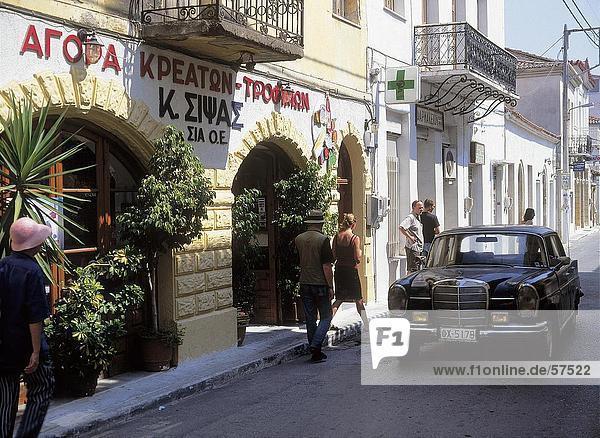 Mercedes-Benz an Restaurant  Peloponnes  Griechenland