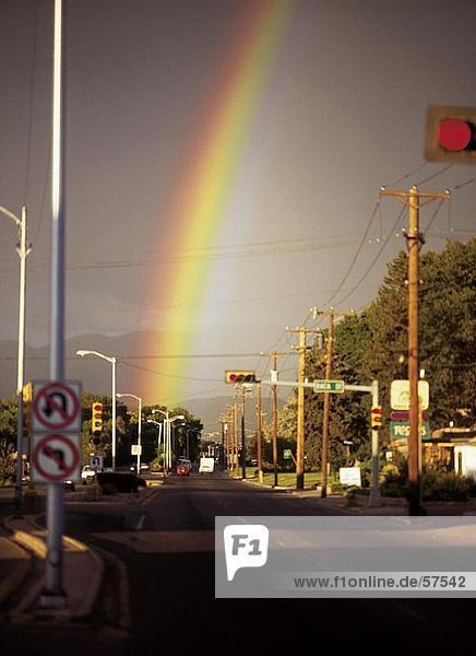 Regenbogen Formation Himmel über Stadt  Santa Fe  New Mexico  USA