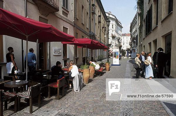 Menschenbei Sidewalk Cafe  Turin  Piemont  Italien