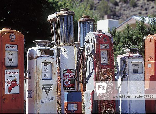 Verrostet Kraftstoffpumpen in Zeile  New Mexiko  Nordamerika  USA