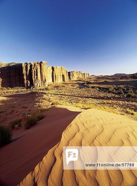 Felsformationen in der Wüste  Capitol Reef Nationalpark  Utah  USA