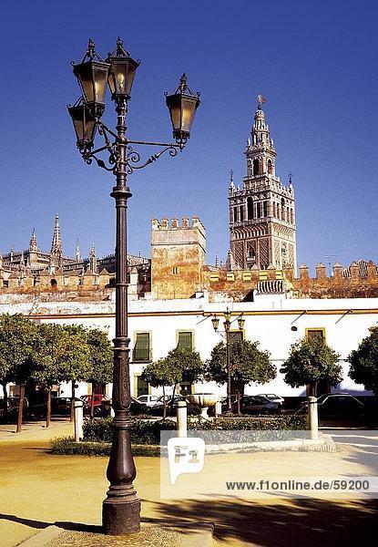 Untersicht Laternenpfahl  Sevilla  Spanien  Europa