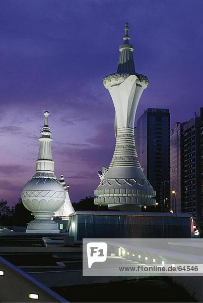 Untersicht of Coffee Pot Brunnen  Al-Ittihad Square  Abu Dhabi  Vereinigte Arabische Emirate