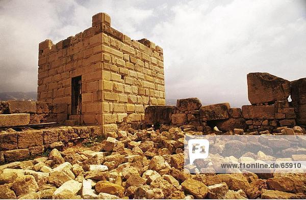 Ruinen des alten Hauses  Byblos  Libanon