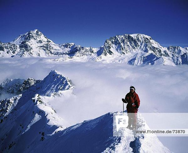 10552624  Bergsteigen  Sport und Fitness  Gipfel  Spitze  Frau  Modell veröffentlicht  Montele  Schweiz  Europa  Wallis  Grand Combin  Mont-V