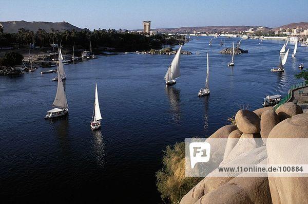 Segelboote im Fluss  Assuan  Ägypten