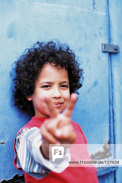 Porträt eines cool aussehenden Jungen Porträt eines cool aussehenden Jungen