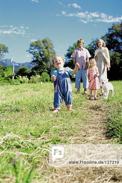 Familienausflug auf dem Land