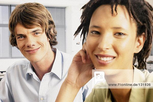 Portrait des Geschäftsmannes und der Geschäftsfrau