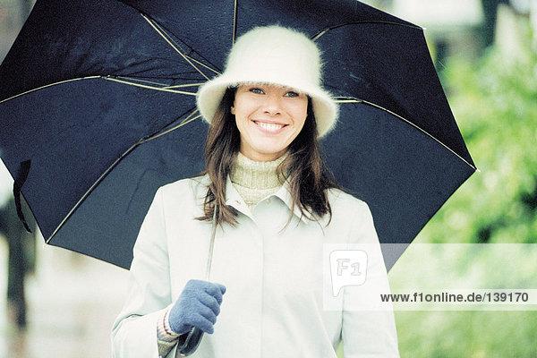Frau mit Schirm Frau mit Schirm