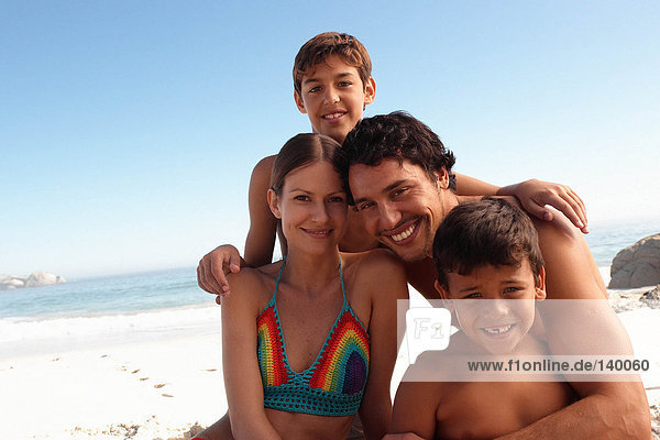 Porträt einer Familie am Strand