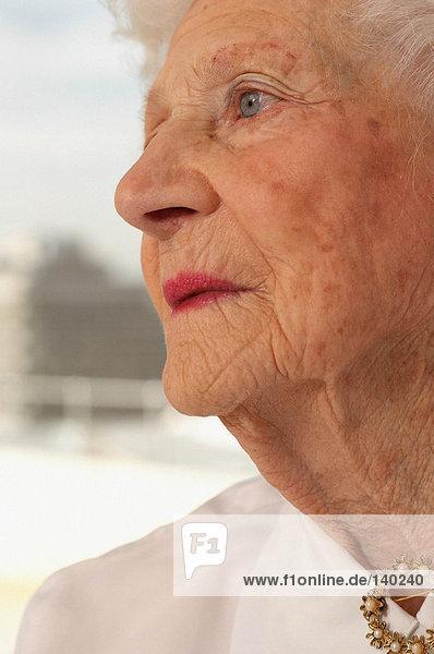 Profil der älteren Frau