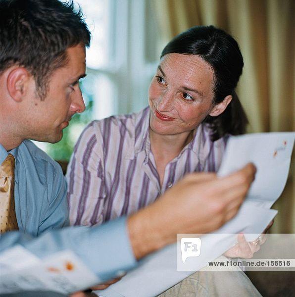 Paare planen ihre Finanzen