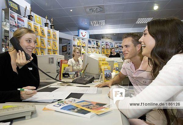 Menschen in Travel Agência
