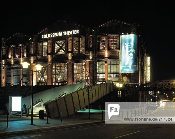 Colosseum Musiktheater in der Nacht  Essen  Deutschland