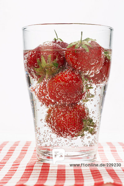 Glas Erdbeerbowle Glas Erdbeerbowle