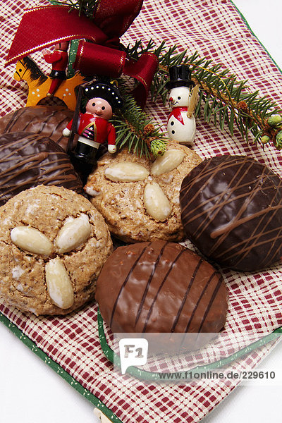 Assorted gingerbread