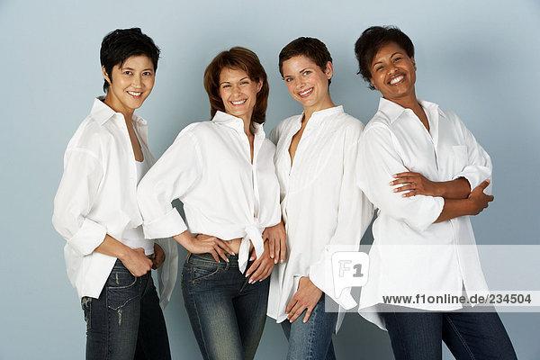 Porträt von vier Frauen