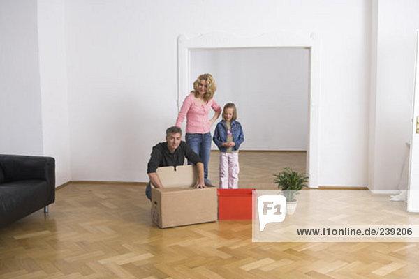 Wohnhaus Bewegung Pappschachtel Pappkarton Pappe