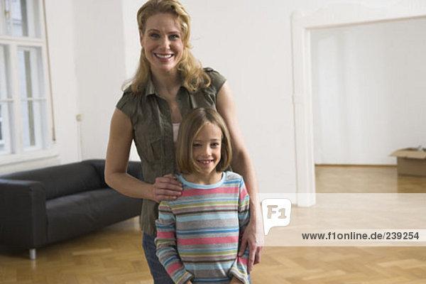 Portrait Pose Apartment Tochter Mutter - Mensch neu