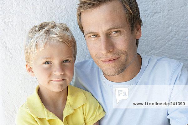 Porträt eines Vaters und Sohnes