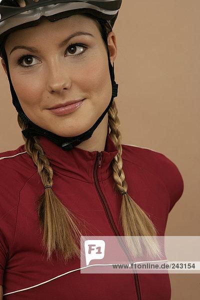Porträt einer Mountainbikerin  fully_released