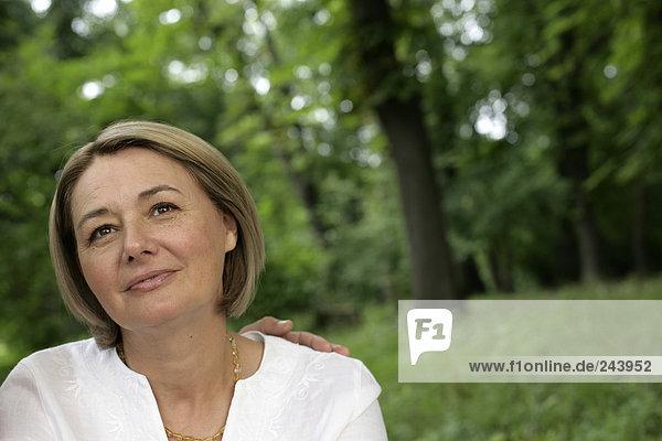 Ältere Frau  Porträt  fully_released