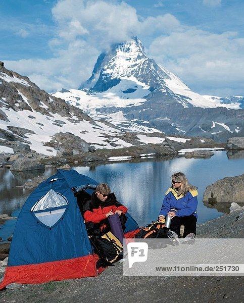 10366632  Bergsee  camping  Zelte  Zelte  camping  alpine  Alpen  Berge  trekking  walking  Wandern  Stein  Klippe  Hochg