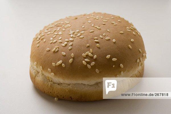 Hamburgerbrötchen mit Sesam
