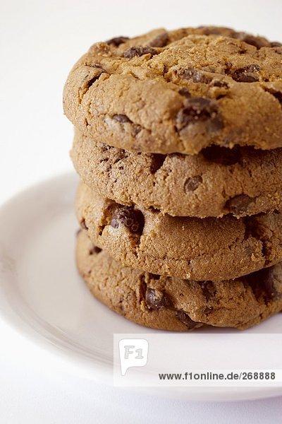 Stapel aus vier Schoko-Cookies