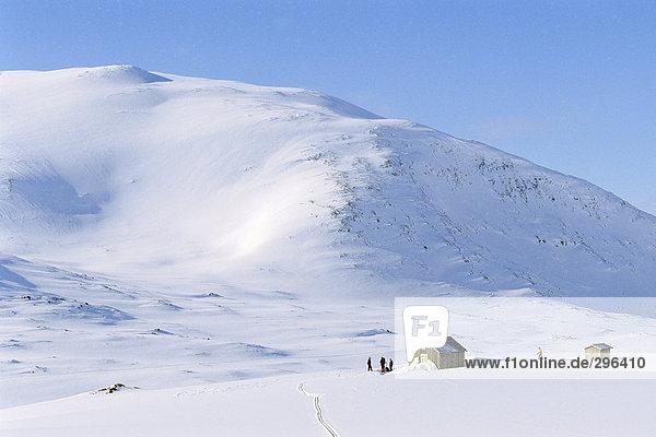 Berg bedecken Kabine Schnee