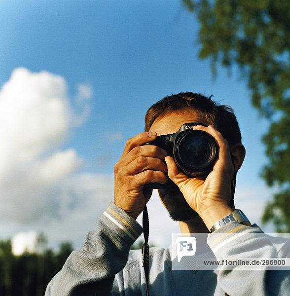 Ein Mann ein Foto.