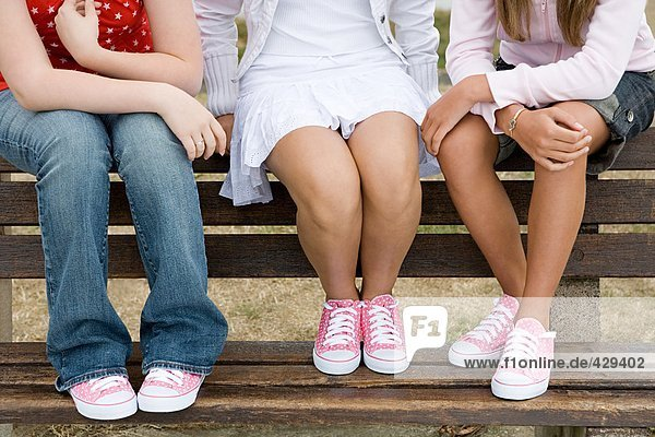 13 bis 15 jaehrige,13 bis 15 jährige,3 Leute,3 Menschen,3 Personen