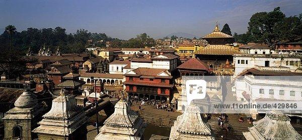 Tempel in der Stadt  Verbrennungs-Platz  Pashupatinath Tempel  Kathmandu  Nepal