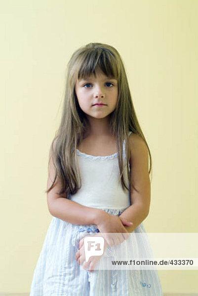 Porträt des jungen Mädchens in light blue Party-Kleid