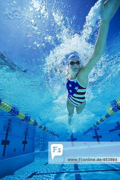 WOMANS SWIMMING