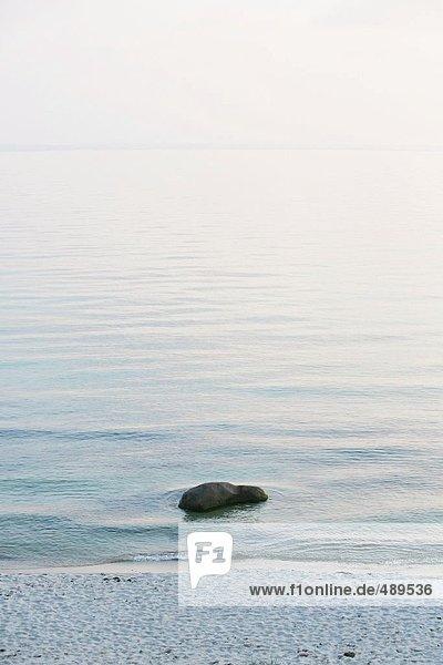 Rock am Strand  Insel Bornholm  Dänemark